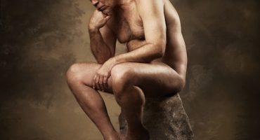 John Malkovich se desnuda para la portada del disco 'Illuminated'