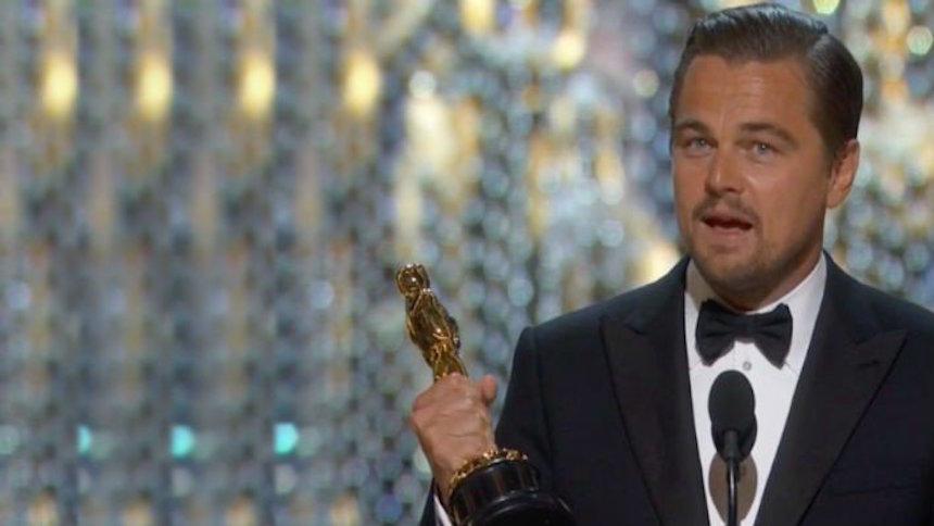 DiCaprio dejó su Oscar en un restaurante