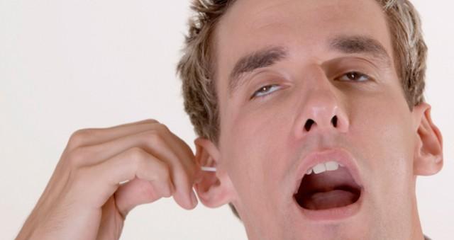 Esta es la razón por la que es mala idea usar cotonetes para los oídos