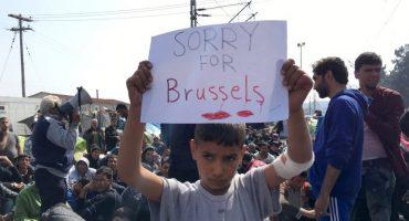 Foto de refugiado solidarizándose por los atentados en Bruselas se vuelve viral