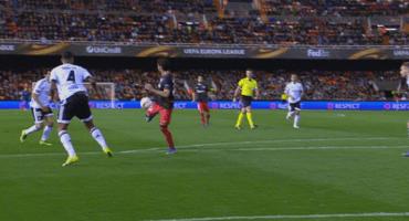 La asistencia de Raúl García ante el Valencia en la Europa League