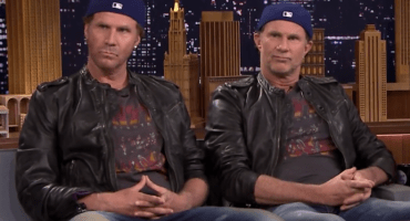 Will Ferrell y Chad Smith de Red Hot Chili Peppers se unen para celebrar fiesta de 15 años