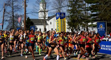 Chequen el inspirador video de este corredor que llega a la meta del maratón de Boston