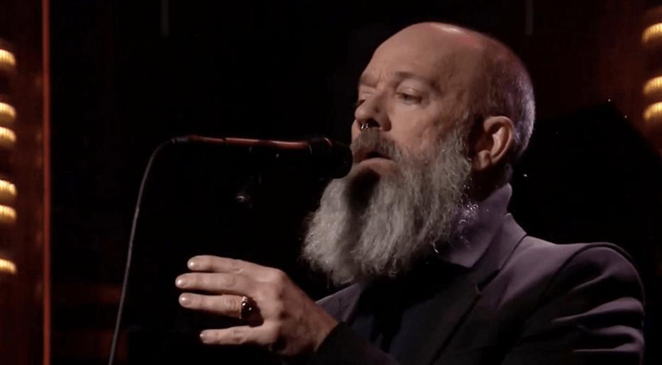 Michael Stipe comparte video de su homenaje a David Bowie