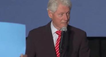Bill Clinton a protestantes de Black Lives Matter: Están defendiendo asesinos