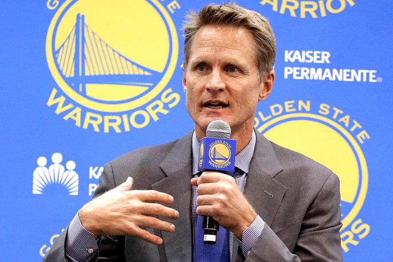 Steve Kerr es nombrado entrenador del año en la NBA