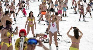 Más de 1000 personas se reúnen para romper el récord mundial de esquí en bikini