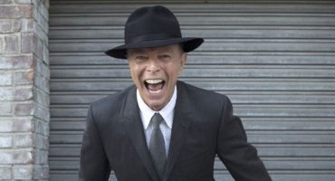 Mira el nuevo video para 'I Can't Give Everything Away' de David Bowie