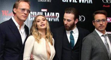Así reaccionó internet a la mirada indiscreta de Chris Evans al escote de Elizabeth Olsen