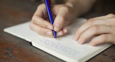 Cuatro razones por las que es mejor escribir a mano