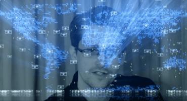 Mira el video de 'Exit' de Jean Michel Jarre con Edward Snowden