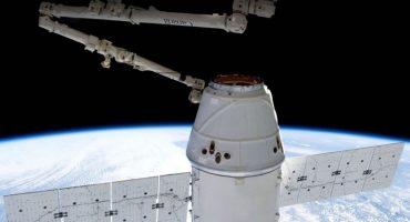 SpaceX logra aterrizar un cohete en medio del mar