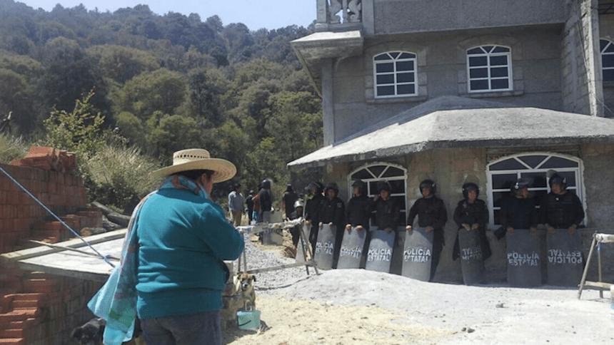 #AlertaXochicuautla Destruyen casas de indigenas para facilitar obra de Grupo Higa