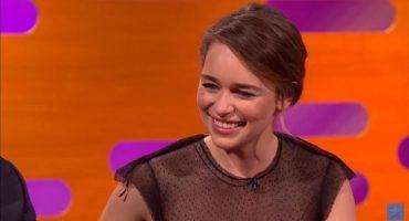 Emilia Clarke habla de cómo es ver sus desnudos en Game of Thrones con sus papás