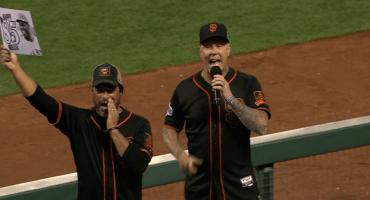 James Hetfield le canta el Happy Birthday a Willie Mays