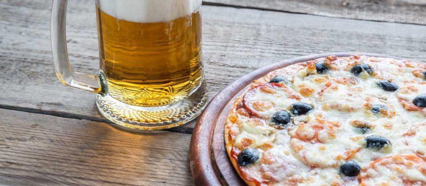 Pizza Hut quiere nuestra felicidad al agregar cerveza a su masa