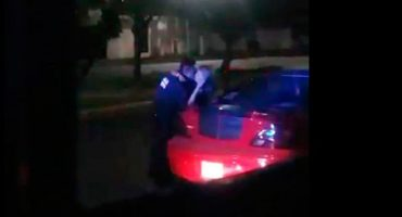 Puebla: policía perdona multa a cambio de beso