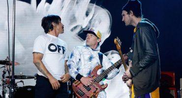 Escucha las nuevas canciones de Red Hot Chili Peppers, The Strokes, Flume y más