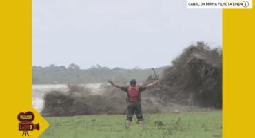 Reportero brasileño reta la furia de un río y el resultado es épico