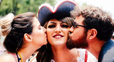 'Besos contra la homofobia': así se vivió la marcha del Orgullo Gay en la CDMX