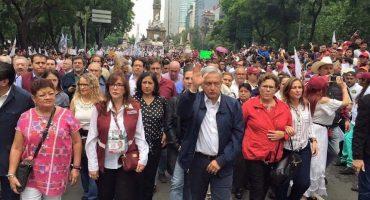 Morena realiza marcha en apoyo a la CNTE