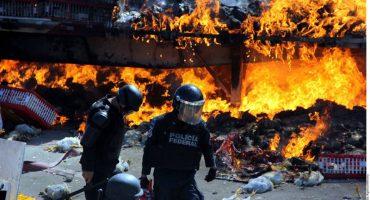 Oaxaca, seis muertos y 50 heridos: Las fotos que el gobierno no quiere que veas