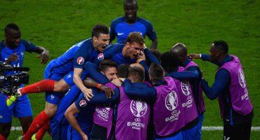 Francia derrota a Rumania en la inauguración de la Euro