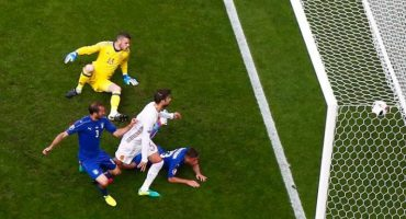 Con goles de Chiellini y Pellé, Italia elimina a España de la Euro 2016