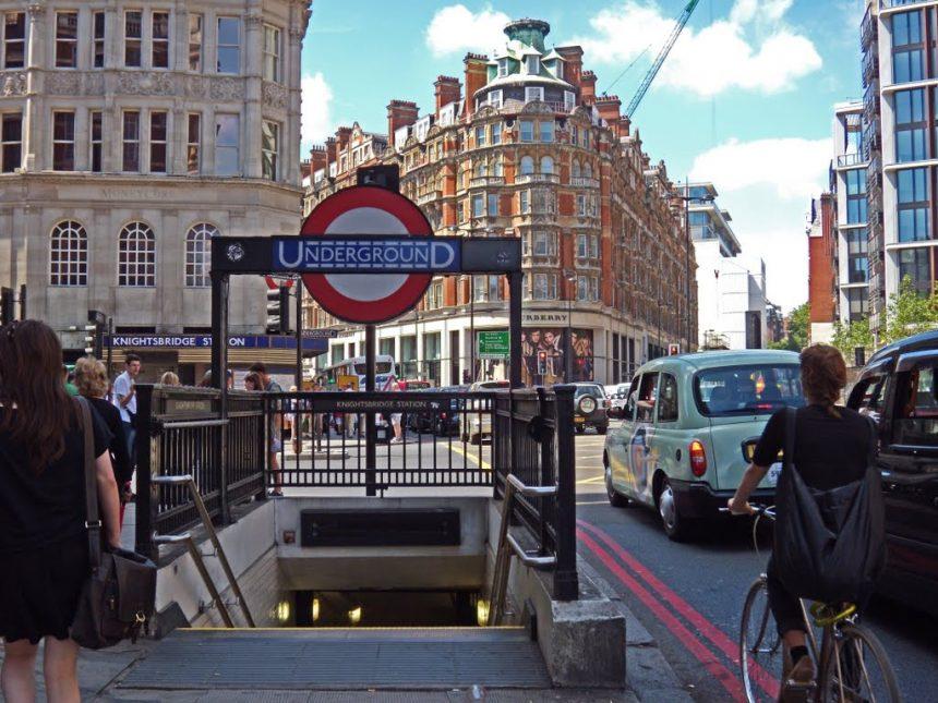 Captan fantasma en estación de Londres supuestamente encantado