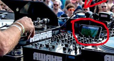 DJ es descubierto viendo la Euro durante una de sus presentaciones