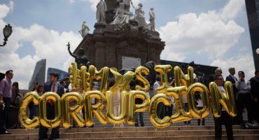 Empresarios se manifiestan contra corrupción en Ángel de la Independencia