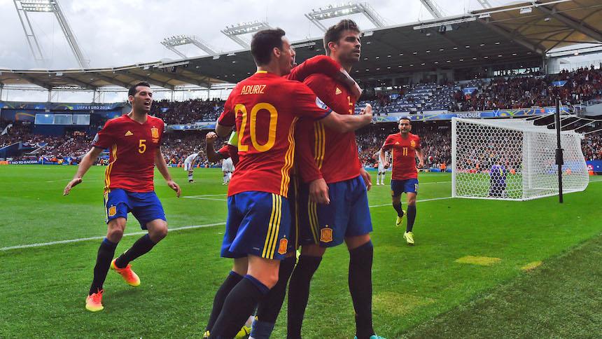De último minuto Piqué le dio la victoria a España sobre República Checa