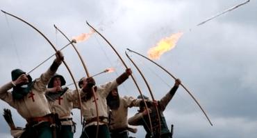 Triste noticia: Los ejércitos medievales no utilizaban flechas en llamas