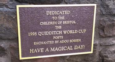 La conmovedora historia de una placa de Harry Potter