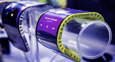 Lenovo presenta smartphone que se dobla y se puede usar como reloj