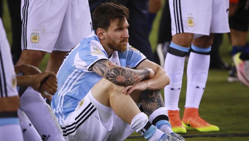 Organizan marcha para que Messi siga en la selección