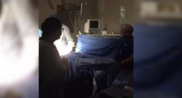 Luego de evidenciar carencias (como operar con luz de celular) despiden a médico en Q. Roo