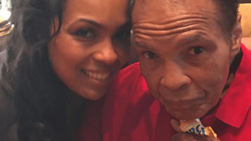 La hija de Muhammad Ali comparte conmovedoras fotos