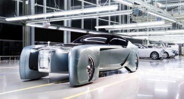 Este es el ultra futurista Rolls-Royce 103EX, el lujoso automóvil sin volante
