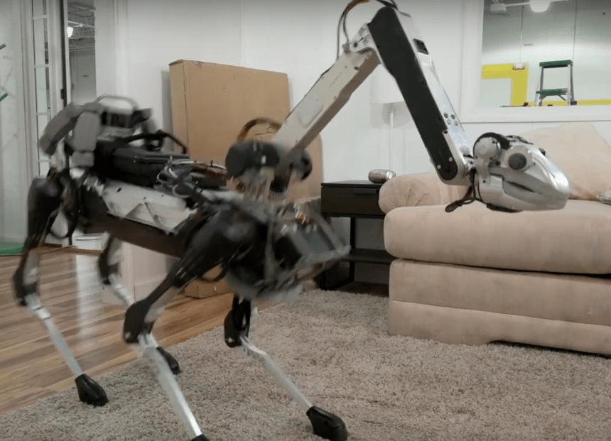 Atemorícense con el SpotMini, la Robotina de la vida real