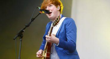Two Door Cinema Club anuncia su disco 'Gameshow' y comparte
