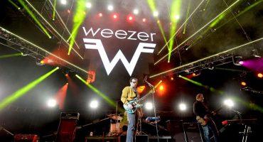 Escucha la nueva canción de Weezer para celebrar la misión Juno