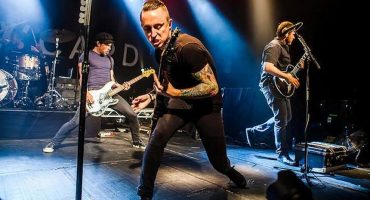 Yellowcard estrena single y anuncia su despedida