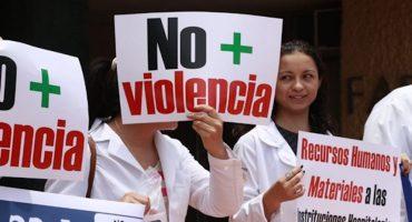 #YosoyMedico17 Médicos se unen contra la privatización del Sector Salud