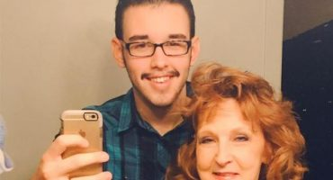 La romántica historia de un joven de 17 años y su esposa de... ¿71?