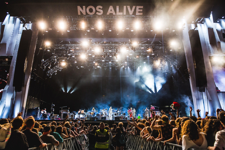 Arcade Fire cierra de forma espectacular el NOS Alive en Lisboa