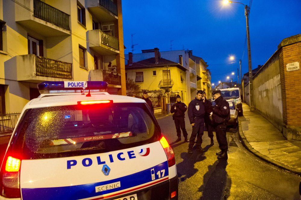 Francia busca crear una Guardia Nacional para combatir terrorismo