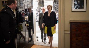 Theresa May asume cargo al frente de Reino Unido