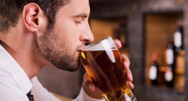 WTF!? Científicos crean máquina que puede convertir la orina en cerveza