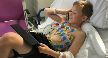 El corazón de este niño se detuvo por 25 minutos e increíblemente vivió para contarlo